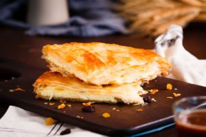 pie, moldavian pie, romanian pie